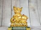 Vua heo vàng chân gác như ý vàng LN035