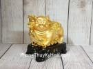 Vua heo vàng cầm gậy như ý trên đế gỗ LN036