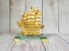 Thuyền buồm song long vàng bóng trên sóng vàng đế thuỷ tinh LN146