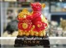 Chuột đỏ ôm túi tiền trên đống vàng TM007