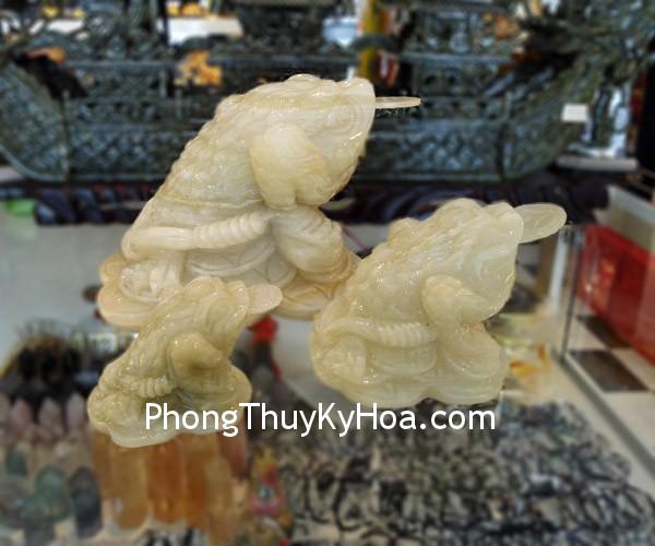 thiem thu cam thach1 Thiềm thừ đá cẩm thạch Tây Tạng CTT M