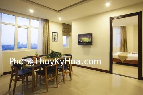 vmy1364874428 Văn phòng trong phòng ngủ ở khách sạn .