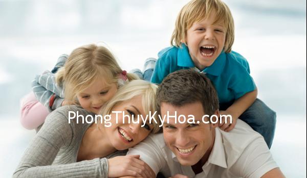 family 1 Ở với chồng vì lợi ích của con