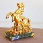 g111a ngua vang de thuy tinh 1 150x150 Ngựa vàng trên như ý đống tiền vàng đế thủy tinh G111A