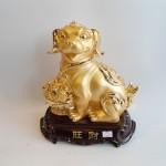 C017A tuong cho vang 150x150 Chó Vàng Ôm Mâm Vàng Trên Đế Gỗ C017A