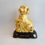 C018A tuong cho vang 150x150 Chó Vàng Dựa Gậy Như Ý Đế Gỗ C018A