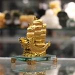 c192a thuyen rong nho 1 150x150 Thuyền buồm vàng nhỏ đế thủy tinh C192A