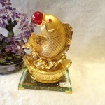 C101A ca chep vang1 150x150 Cá chép vàng phun châu trên đỉnh vàng C101A