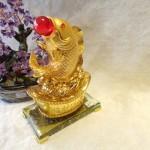 C101A ca chep vang2 150x150 Cá chép vàng phun châu trên đỉnh vàng C101A