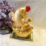 C101A ca chep vang3 150x150 Cá chép vàng phun châu trên đỉnh vàng C101A