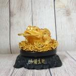 ln102 coc vang lung diem ngoc 1 150x150 Thiềm thừ vàng lưng điểm hồng ngọc trên bụi sen vàng đế gỗ xoay LN102