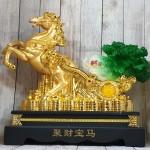 ln120 ngua vang keo cai 2 150x150 Thần ngựa vàng khủng kéo xe cải xanh trên đống tiền vàng LN120