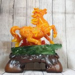 ln124 ngua cam may man 1 150x150 Nữ hoàng ngựa cam ngọc trên núi ngọc mẫu đơn cam đế gỗ LN124