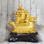 ln138 thuyen buom vang dau rong 1 150x150 Thuyền buồm đầu rồng vàng bóng chở tiền vàng trên sóng vàng khủng LN138