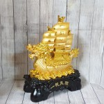 ln138 thuyen buom vang dau rong 150x150 Thuyền buồm đầu rồng vàng bóng chở tiền vàng trên sóng vàng khủng LN138