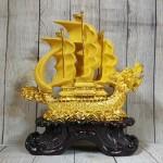 ln139 thuyen buom dau rong sa kim 1 150x150 Thuyền buồm đầu rồng vàng kim sa bóng lướt sóng vàng bánh lái xanh ngọc LN139