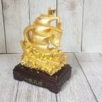 ln144 thuyen buom vang 150x150 Thuyền buồm vàng bóng chở kim nguyên bảo lướt sóng vàng đế gỗ LN144